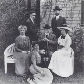Black and white photograph of the Cutting Family